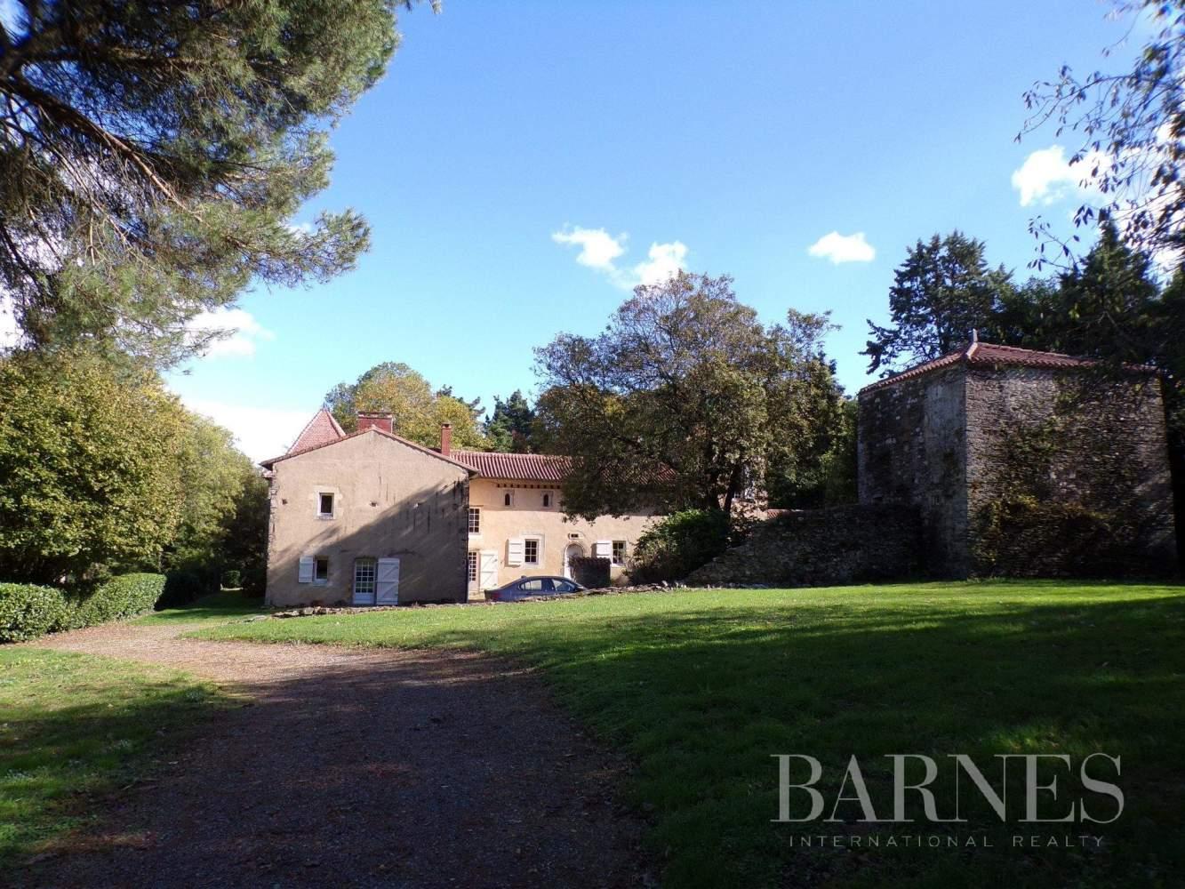 Chantonnay  - Maison 10 Pièces - picture 2