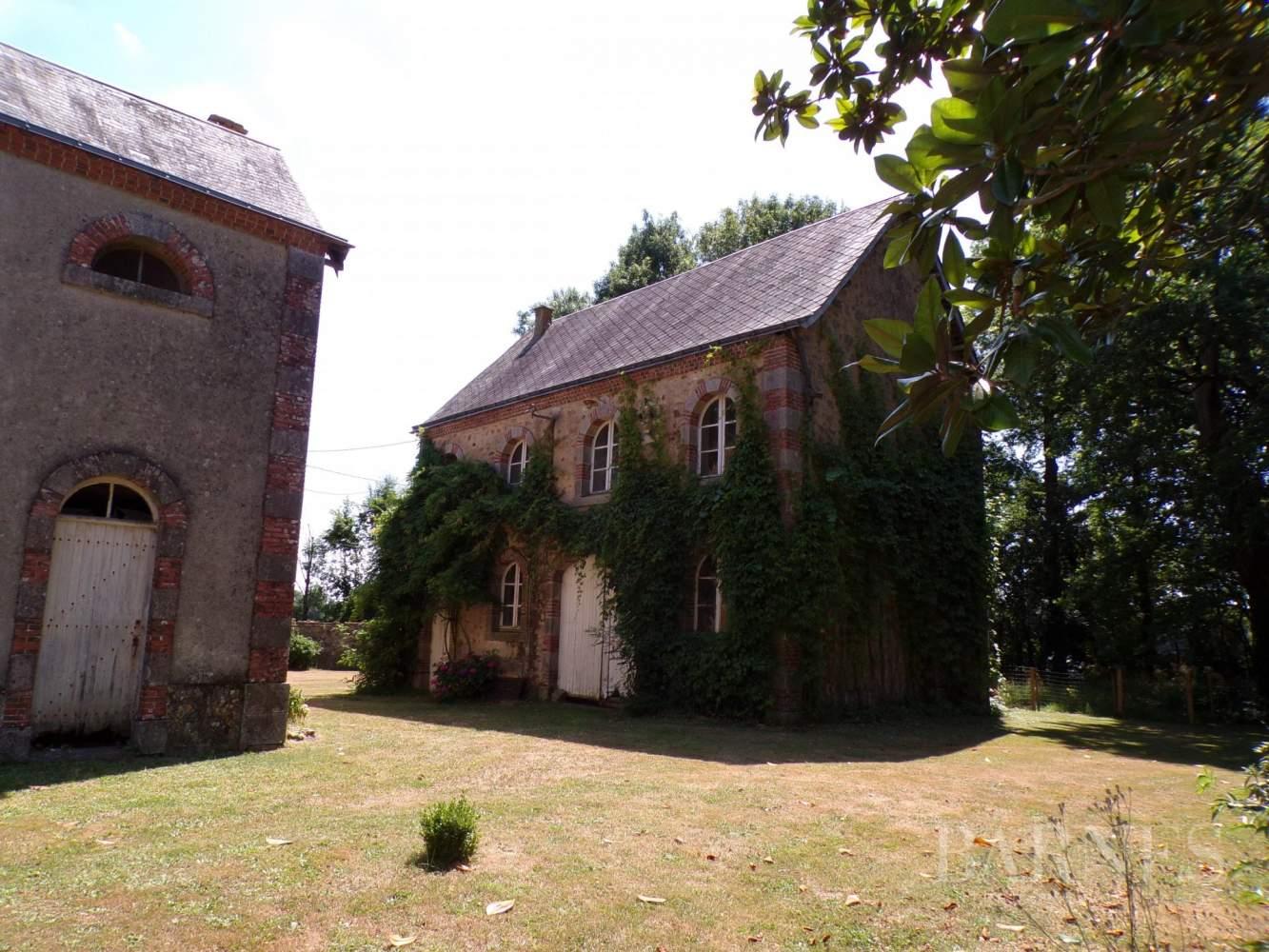 Pouzauges  - Château 16 Pièces - picture 13