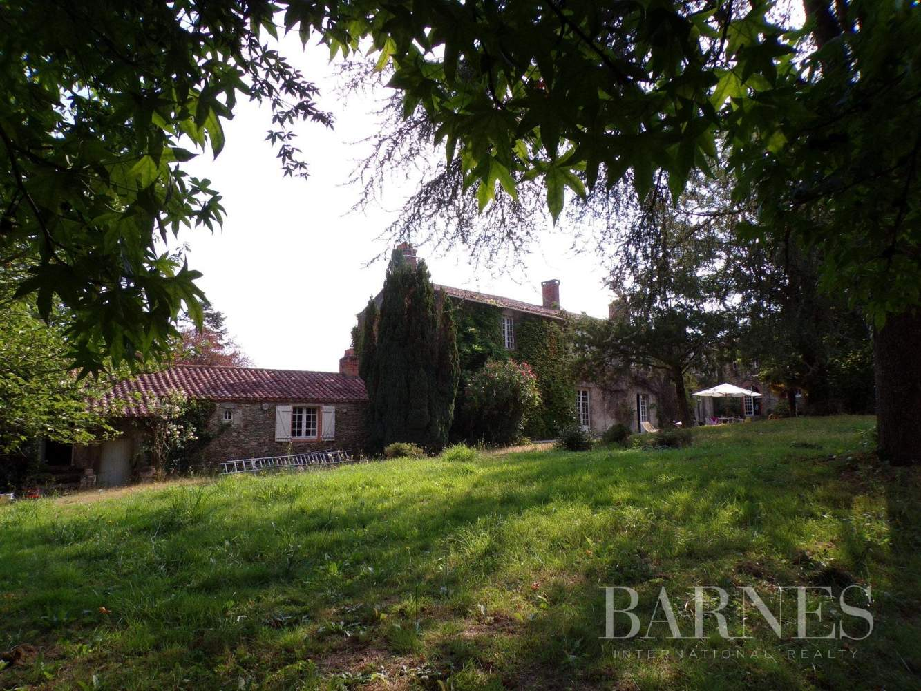 Challans  - Maison 16 Pièces 5 Chambres - picture 12