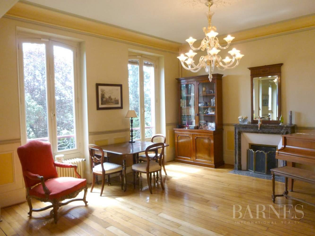 AUVERS SUR OISE  - Maison 8 Pièces 5 Chambres - picture 9