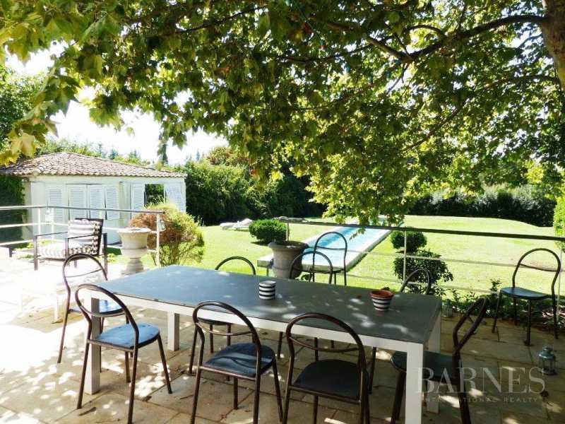 Aix-en-Provence  - Maison 5 Pièces 4 Chambres