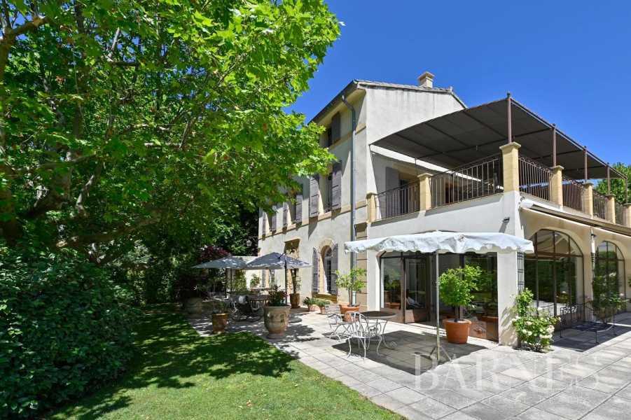 Aix-en-Provence  - Maison de ville 10 Pièces 8 Chambres