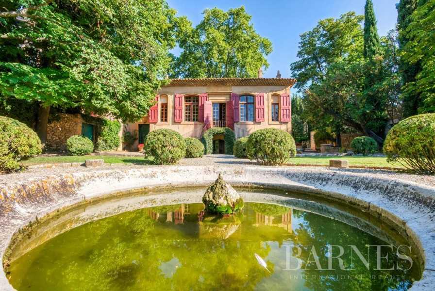 Aix-en-Provence  - Maison de ville 10 Pièces 3 Chambres