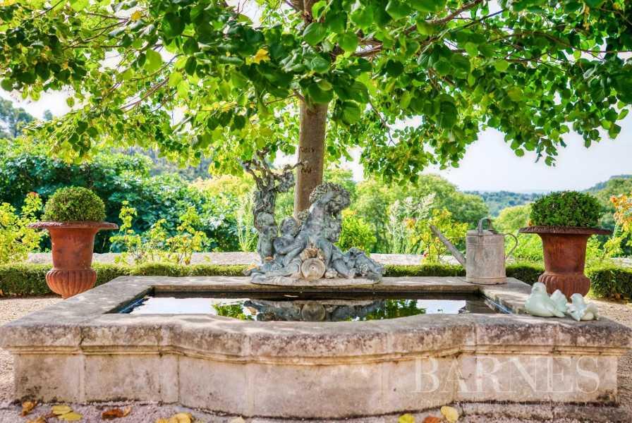 Aix-en-Provence  - Bastide 35 Pièces 26 Chambres