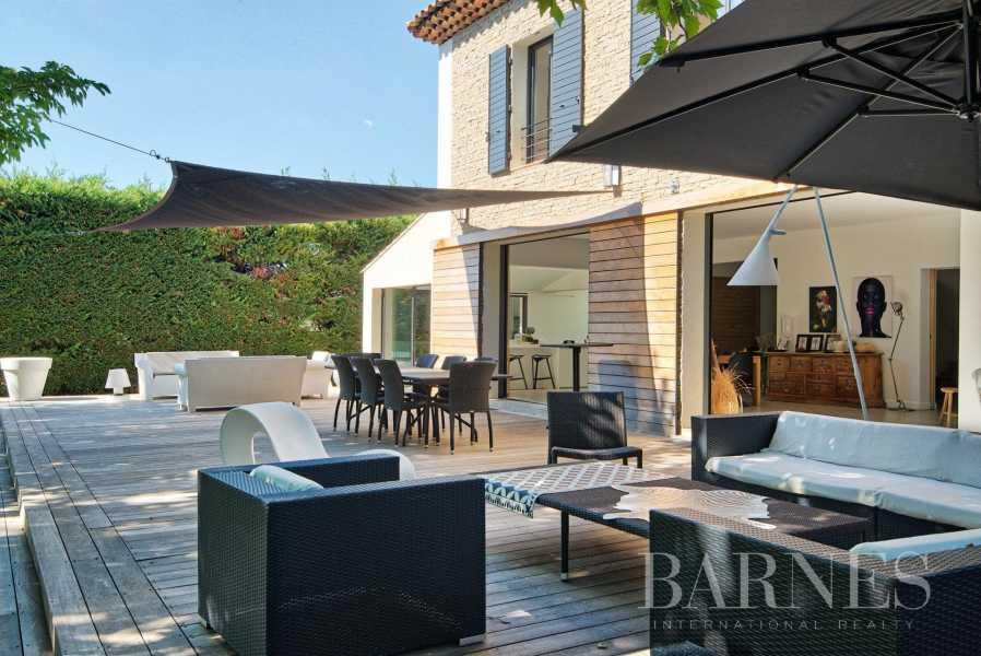 Aix-en-Provence  - Maison 6 Pièces 4 Chambres