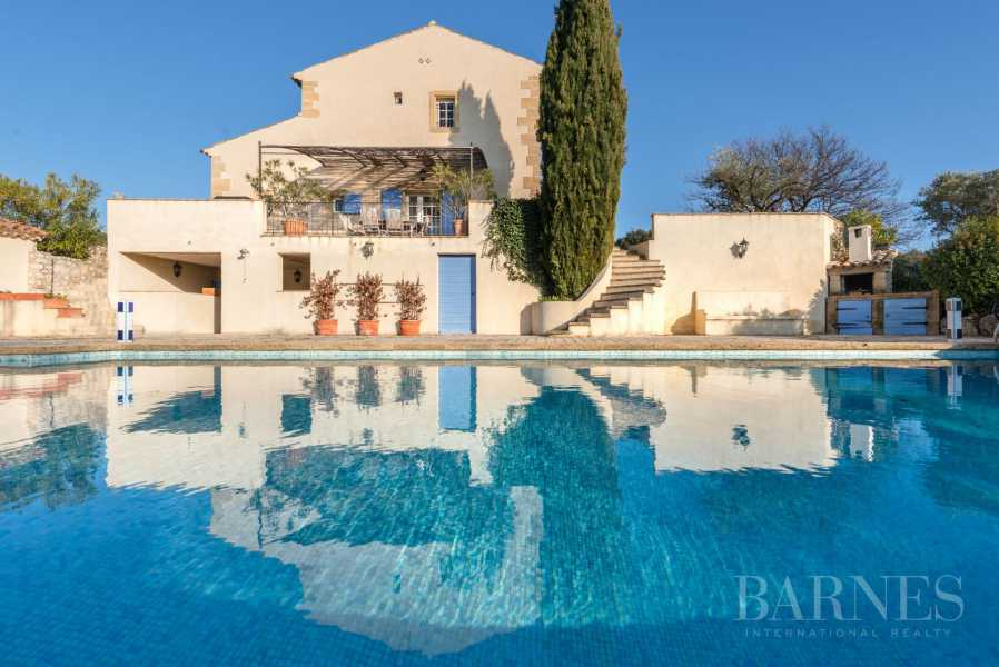 PROVENCAL FARMHOUSE IN THE HEART OF A WOODED PARK picture 17