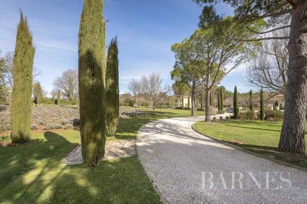 Property Aix-en-Provence  -  ref 3427668 (picture 2)