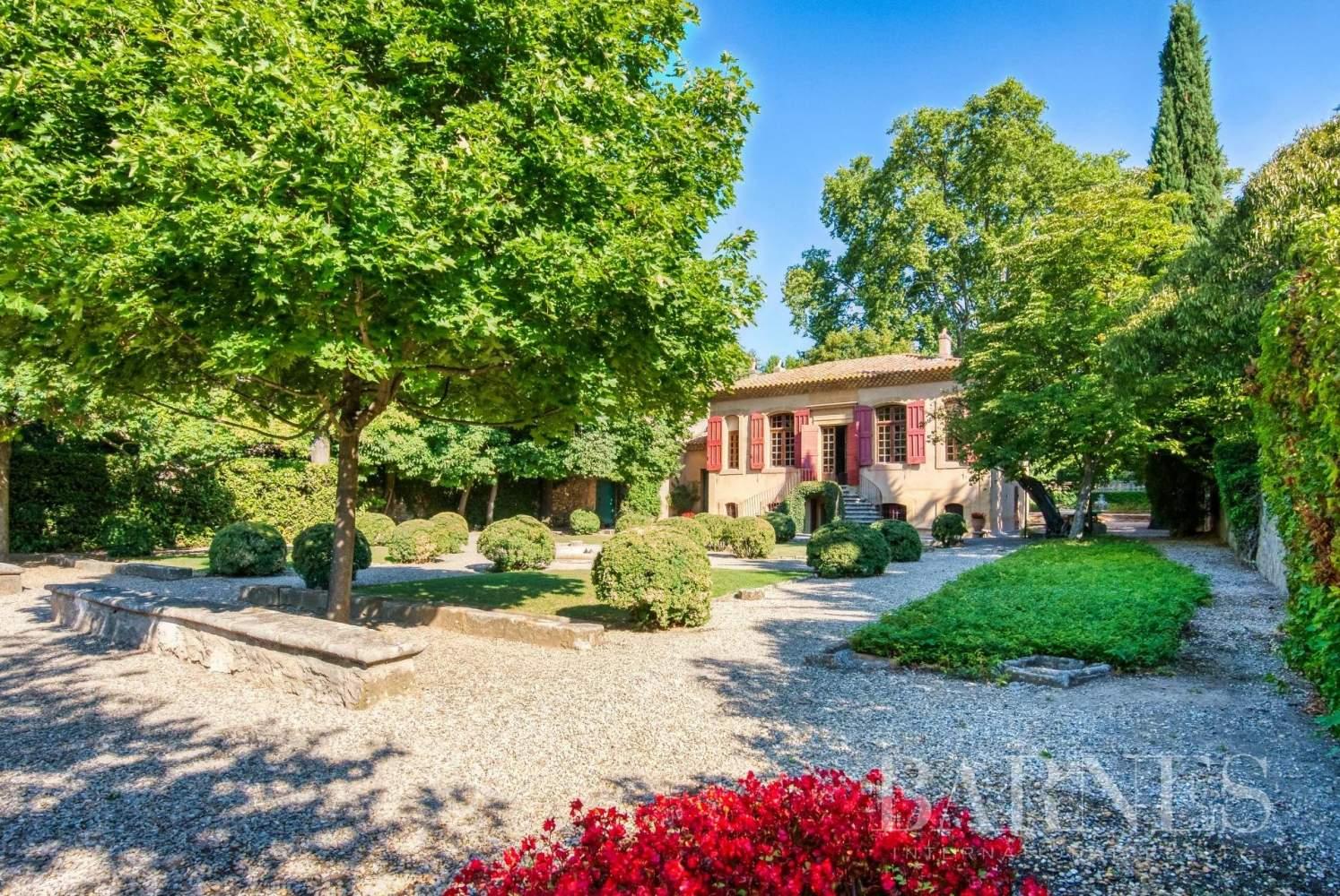 Aix-en-Provence  - Maison de ville 10 Pièces 3 Chambres - picture 6