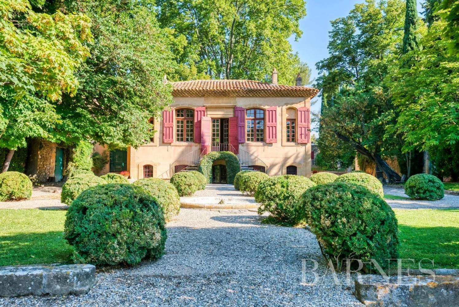 Aix-en-Provence  - Maison de ville 10 Pièces 3 Chambres - picture 14