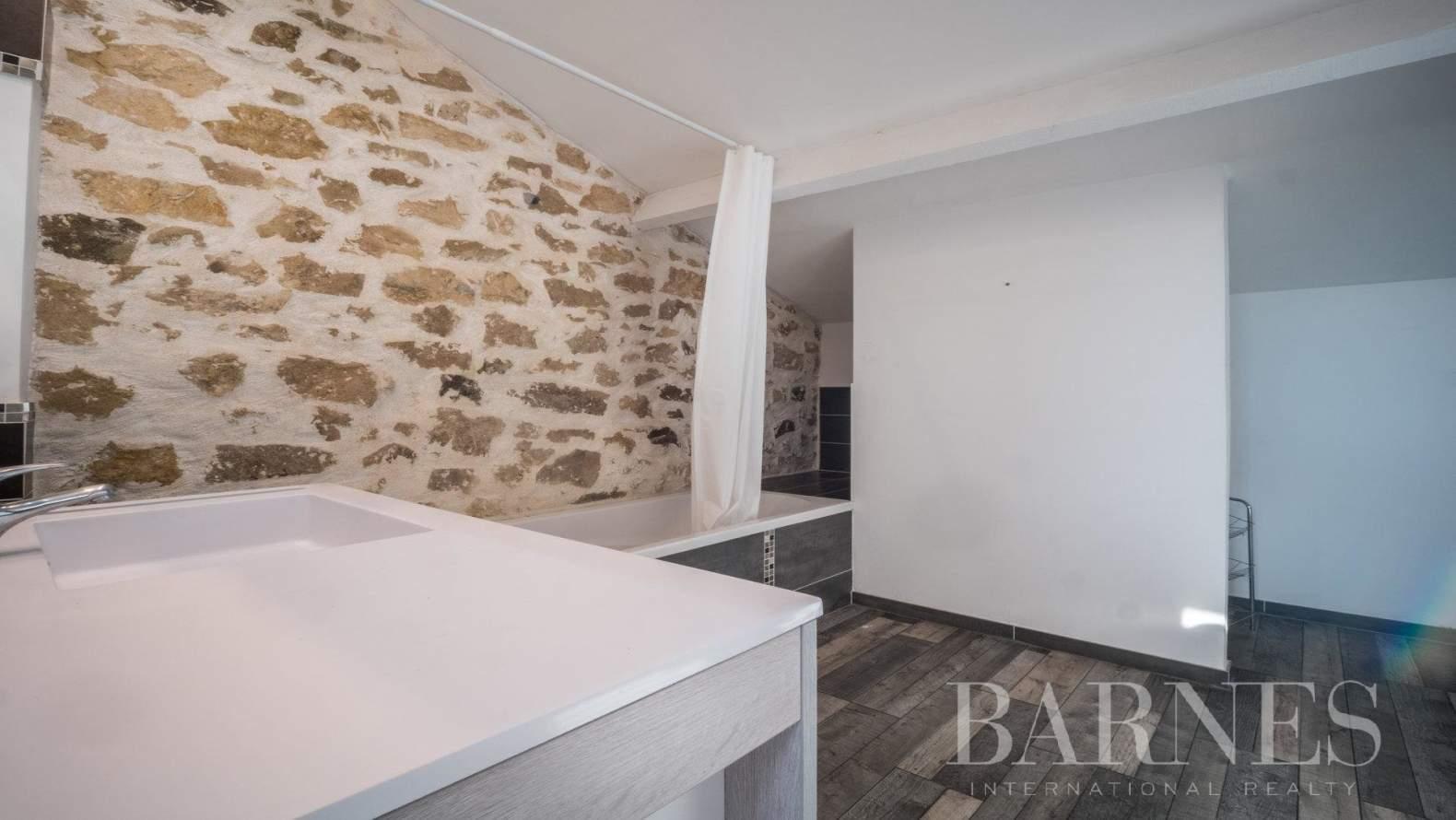 Aix-en-Provence  - Maison 6 Pièces 3 Chambres - picture 8