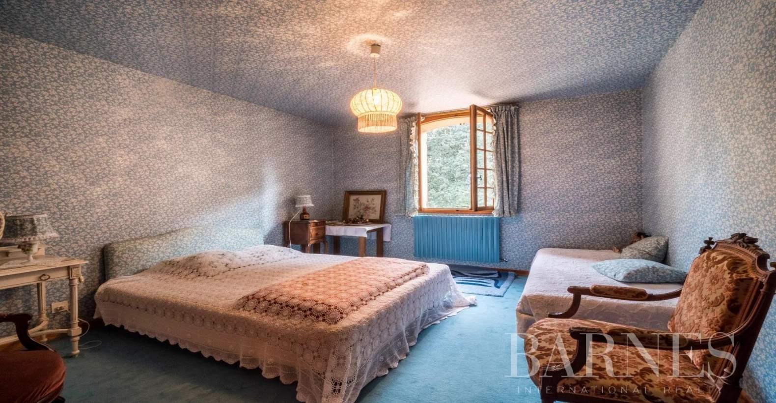Aix-en-Provence  - Propriété 8 Pièces 3 Chambres - picture 8