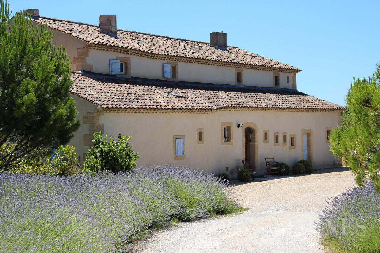 FOR SALE - AIX EN PROVENCE - ROGNES - PROVENCAL FARMHOUSE IN THE HEART OF A WOODED PARK picture 7