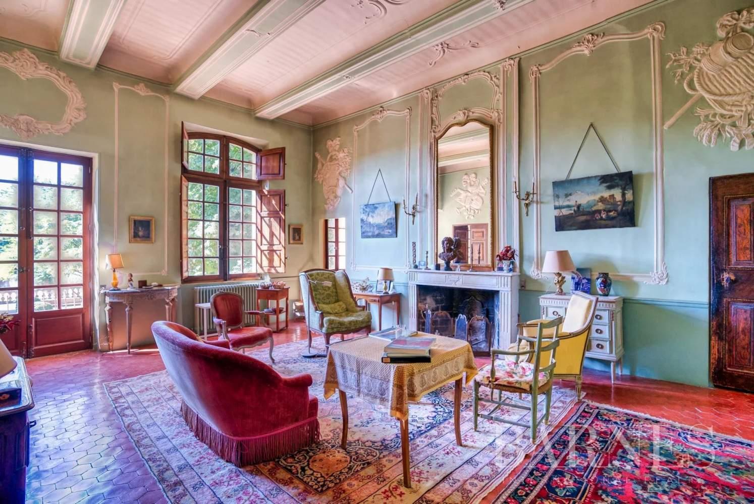 Aix-en-Provence  - Maison de ville 10 Pièces 3 Chambres - picture 2
