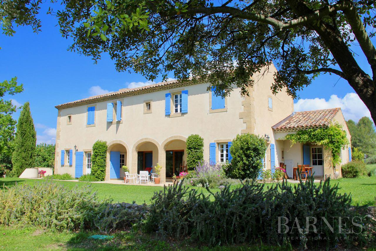 FOR SALE - AIX EN PROVENCE - ROGNES - PROVENCAL FARMHOUSE IN THE HEART OF A WOODED PARK picture 2