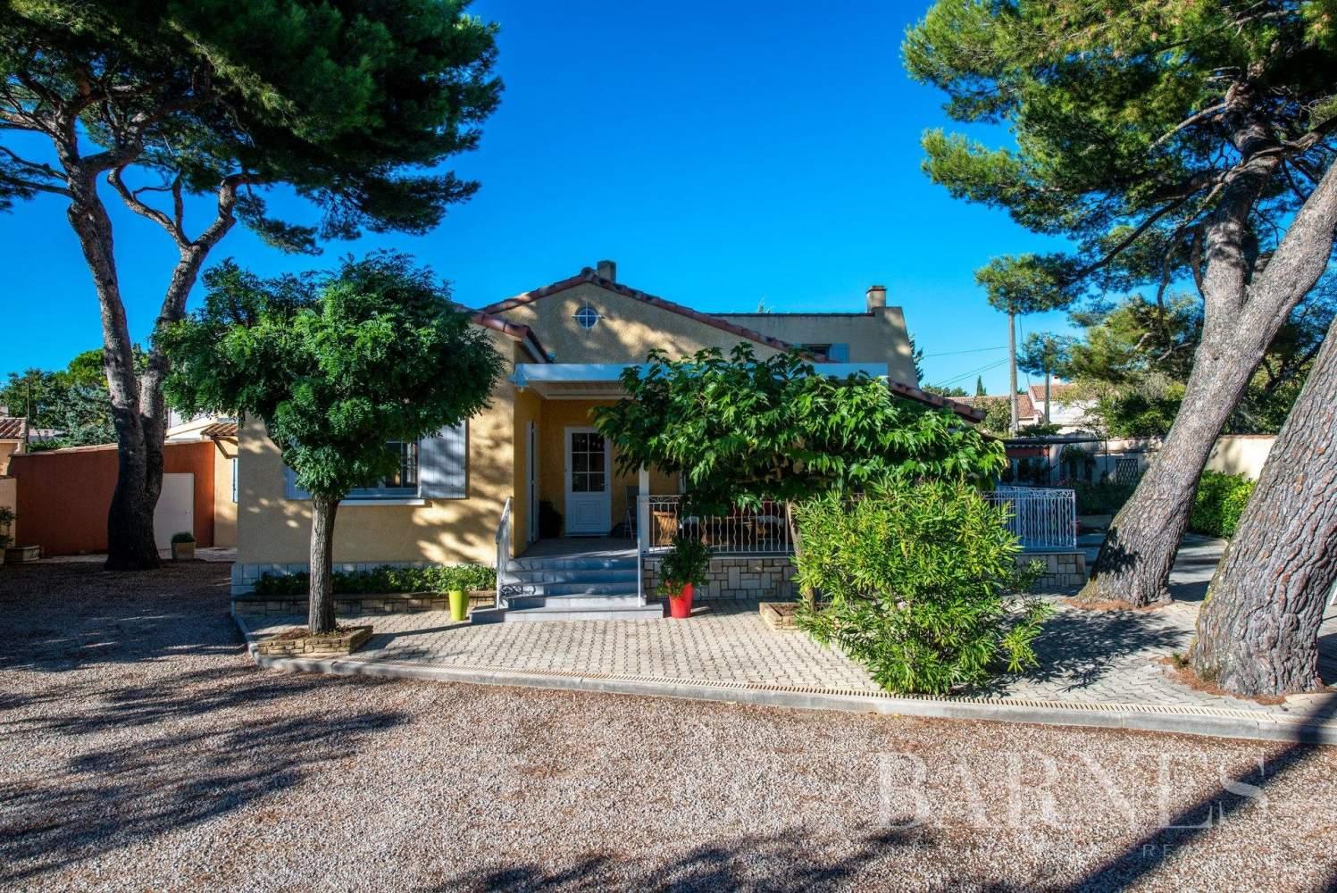 Aix-en-Provence  - Villa 9 Pièces 5 Chambres - picture 1