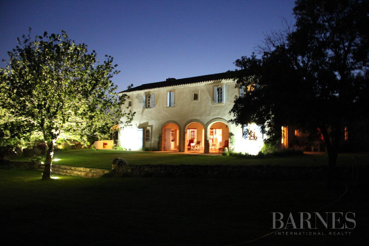 FOR SALE - AIX EN PROVENCE - ROGNES - PROVENCAL FARMHOUSE IN THE HEART OF A WOODED PARK picture 15