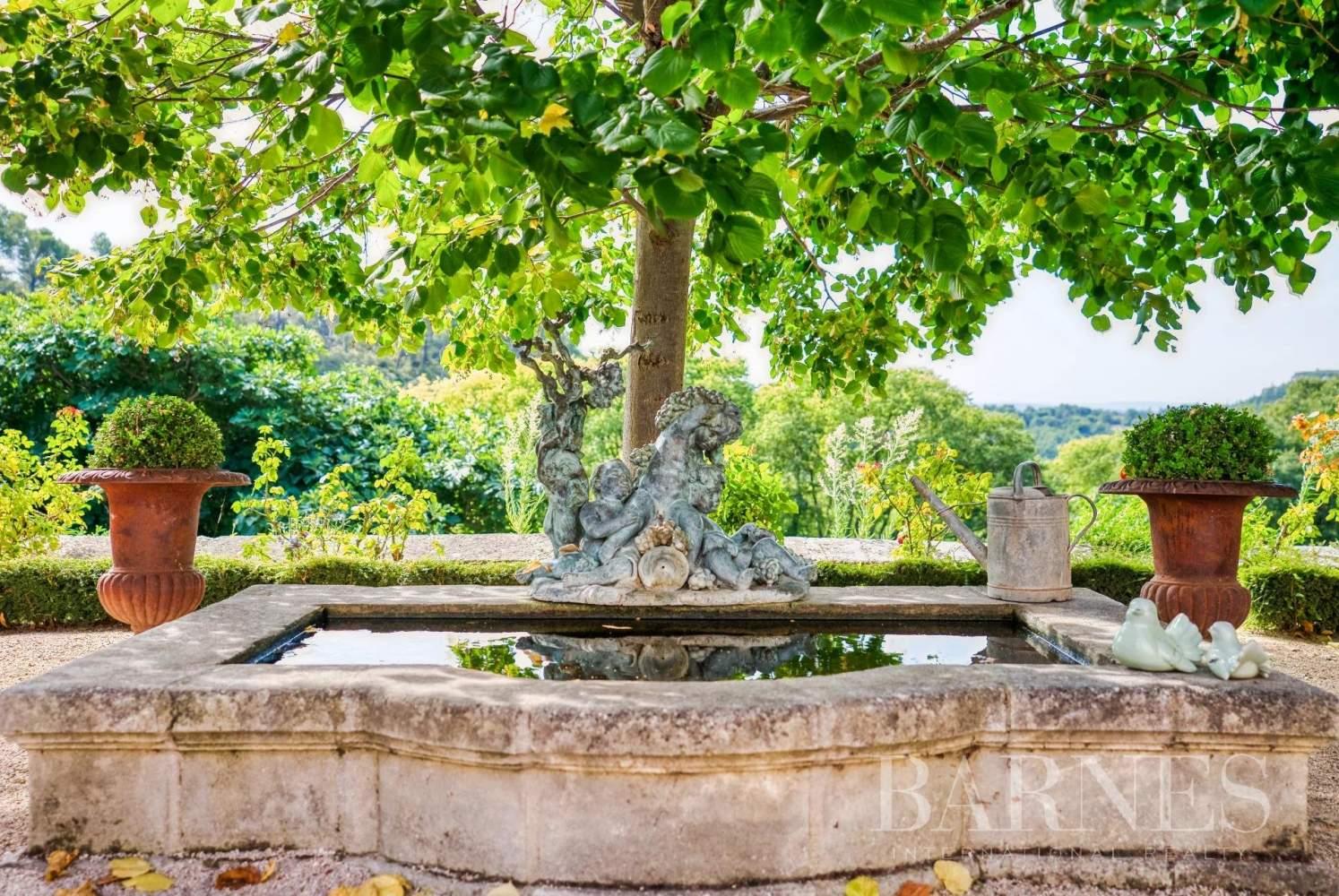 Aix-en-Provence  - Bastide 35 Pièces 26 Chambres - picture 6