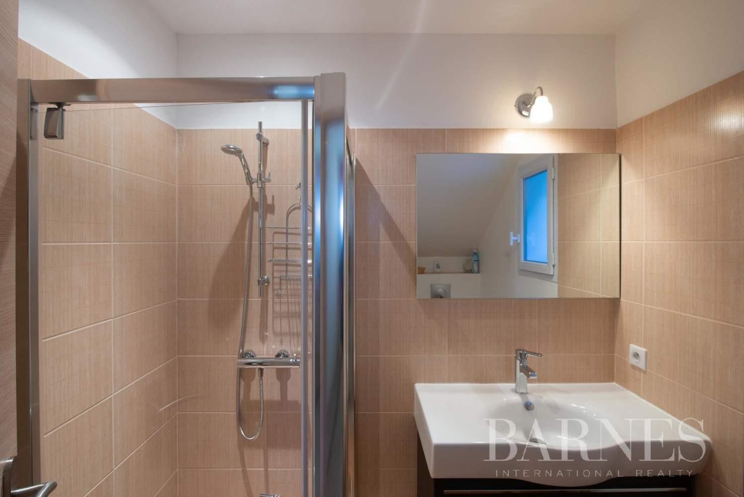 Aix-en-Provence  - Villa 9 Pièces 5 Chambres - picture 14
