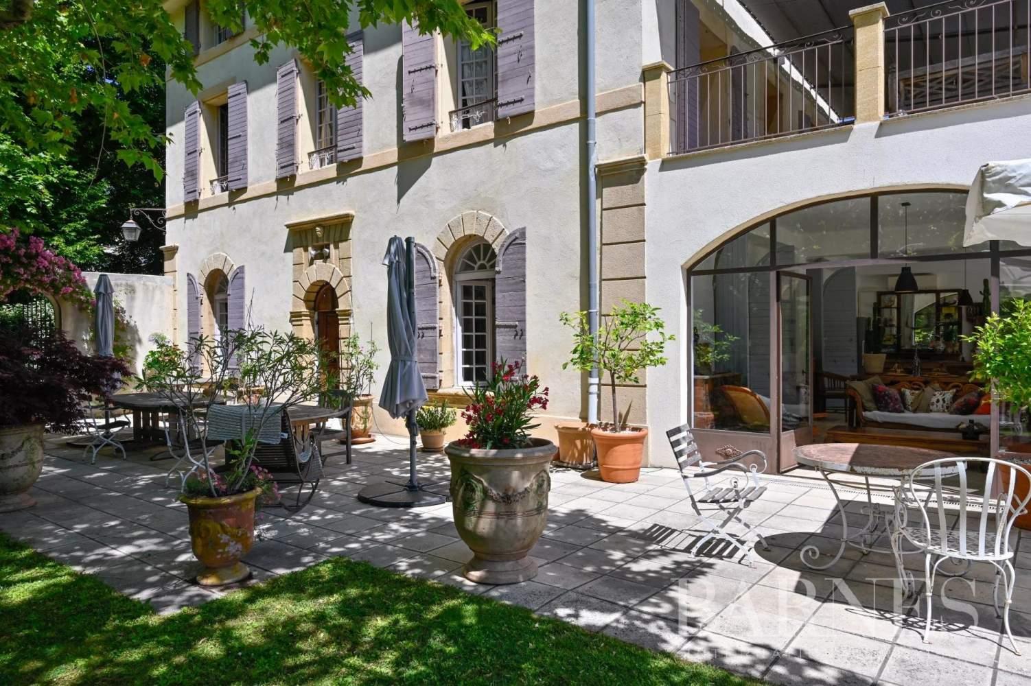 Aix-en-Provence  - Maison de ville 10 Pièces 8 Chambres - picture 1