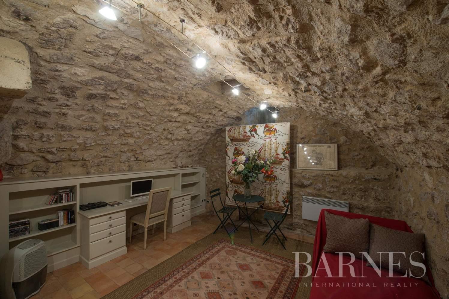 Aix-en-Provence  - Appartement 3 Pièces, 1 Chambre - picture 9