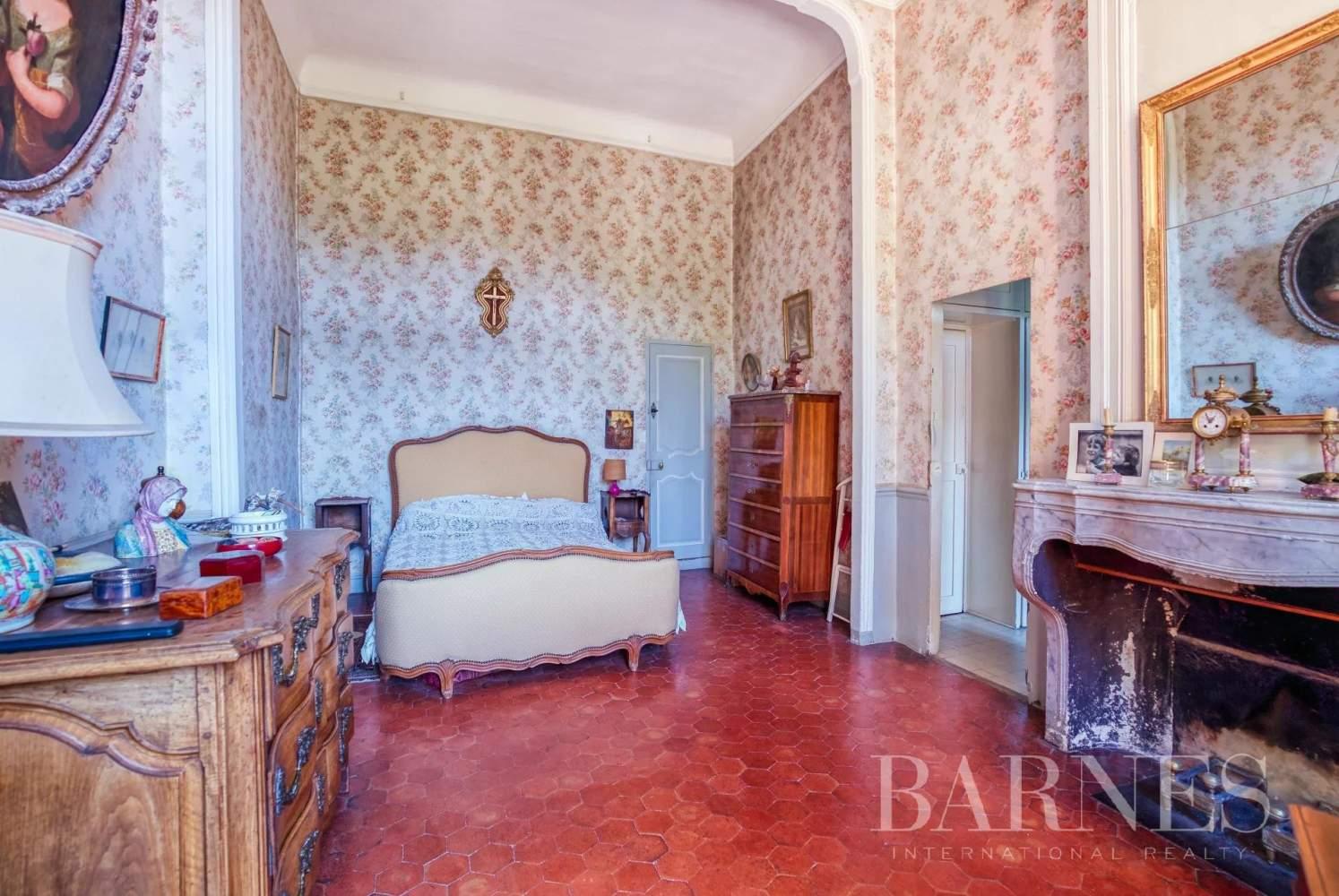 Aix-en-Provence  - Maison de ville 10 Pièces 3 Chambres - picture 11