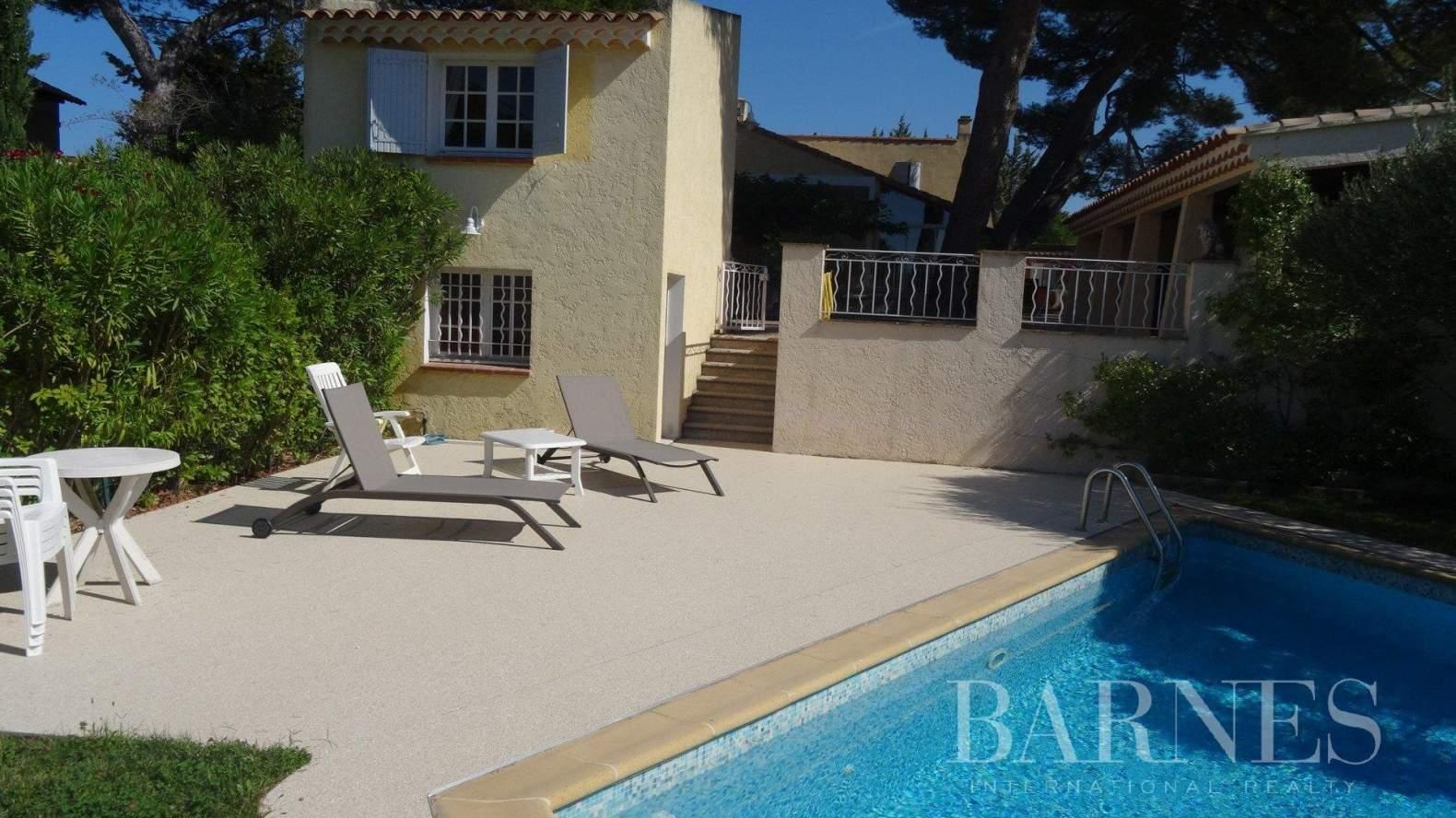 Aix-en-Provence  - Villa 9 Pièces 5 Chambres - picture 2