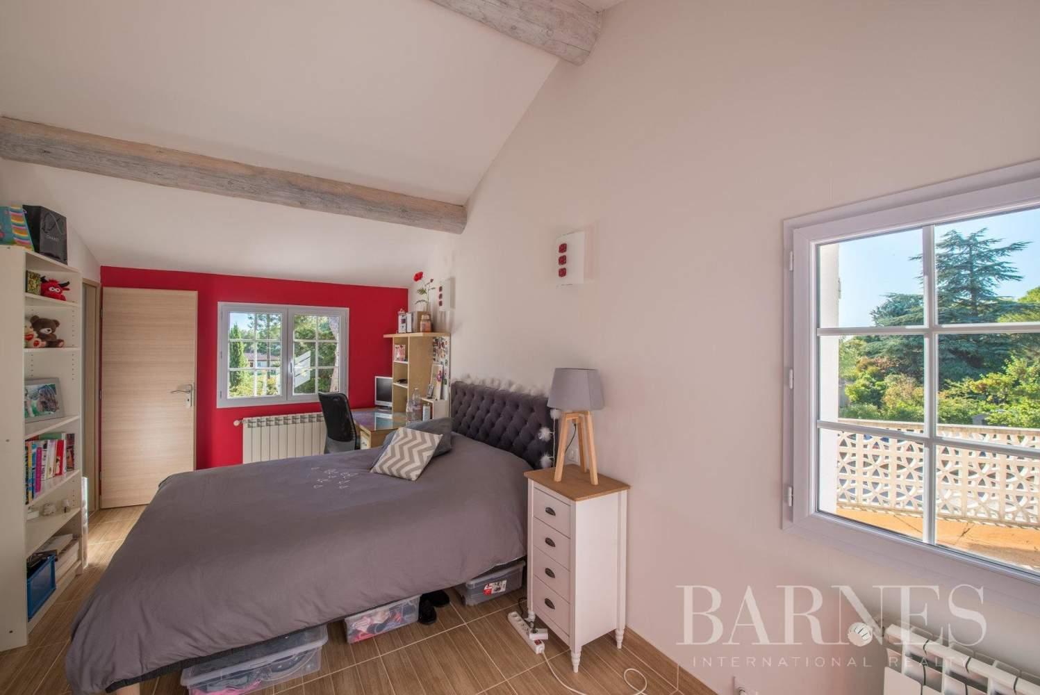 Aix-en-Provence  - Villa 9 Pièces 5 Chambres - picture 10