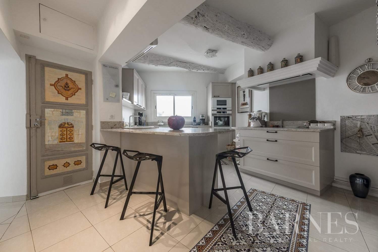 Aix-en-Provence  - Appartement 5 Pièces 2 Chambres - picture 3