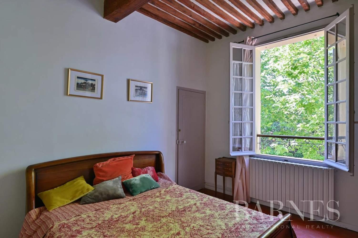 Aix-en-Provence  - Maison de ville 10 Pièces 8 Chambres - picture 18