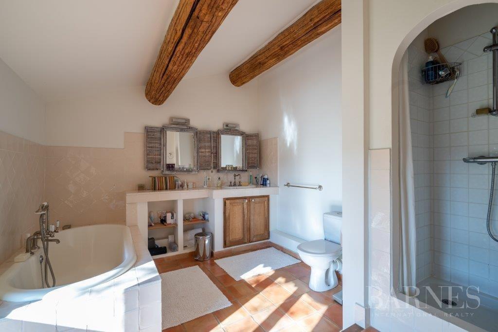 Aix-en-Provence  - House 6 Bedrooms - picture 14