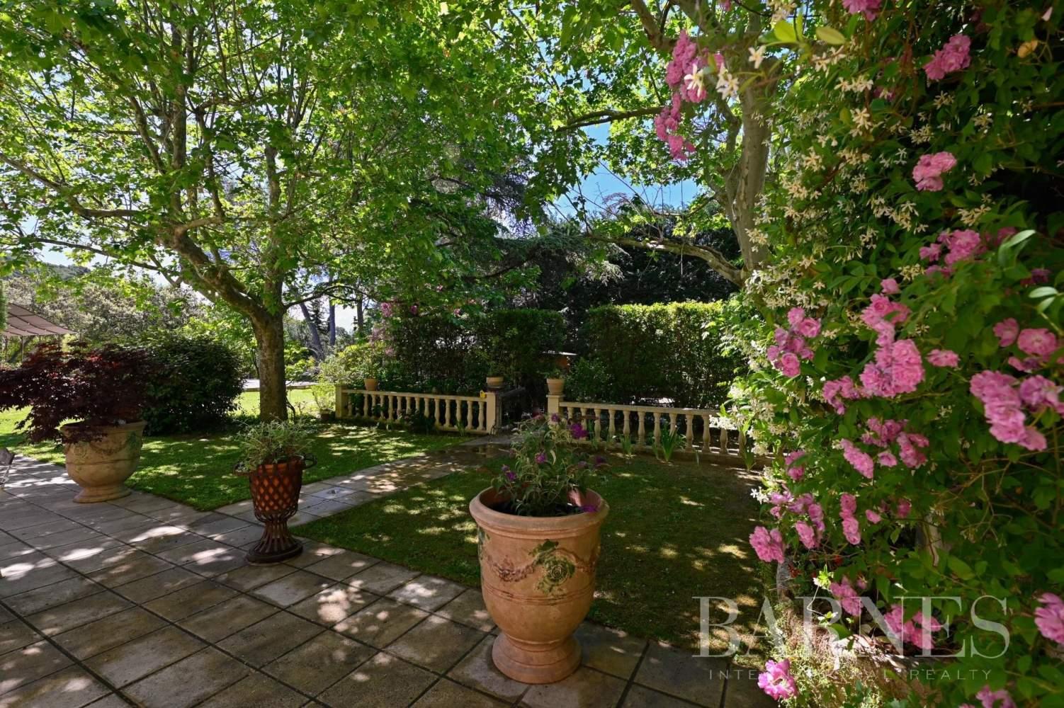 Aix-en-Provence  - Maison de ville 10 Pièces 8 Chambres - picture 19