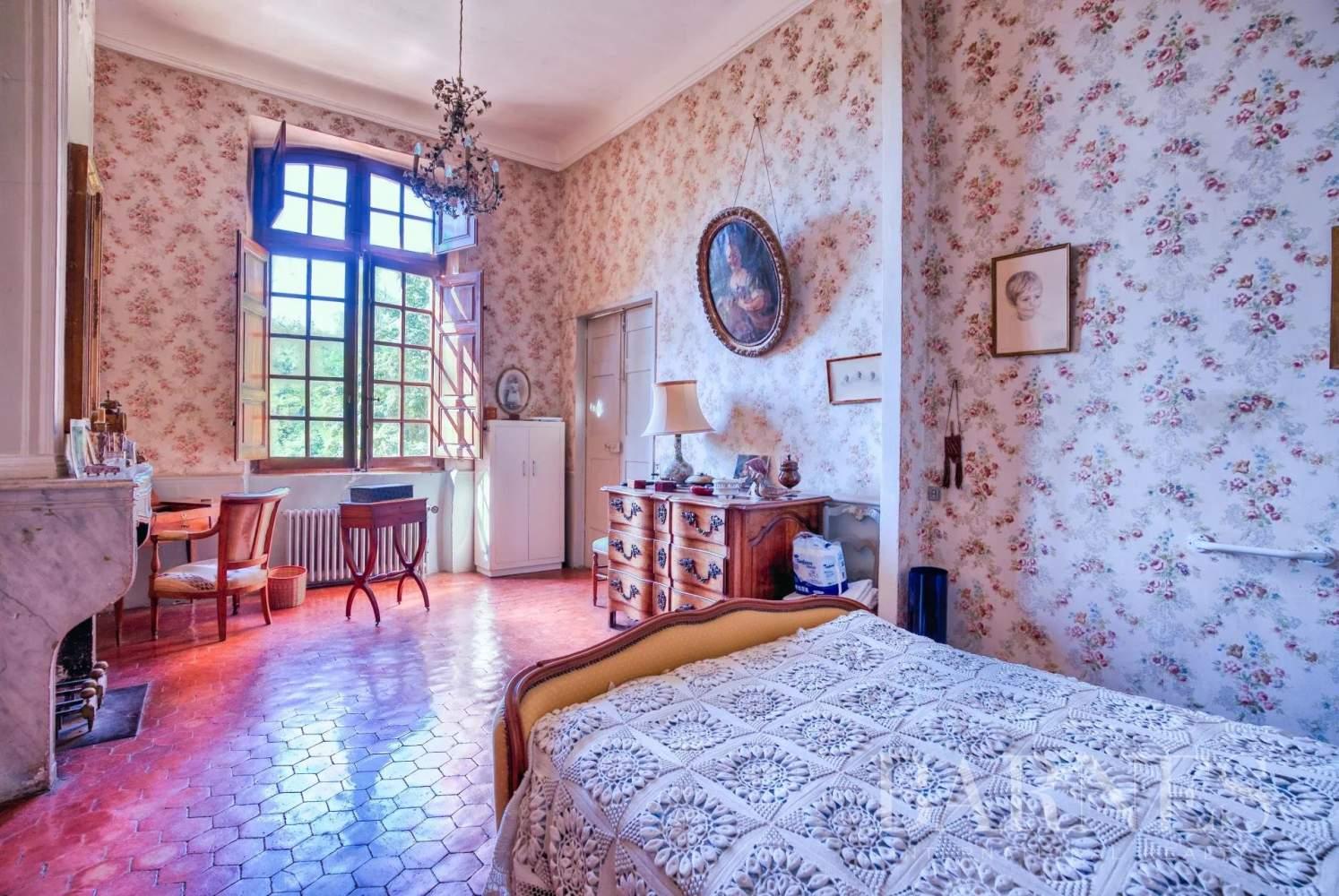 Aix-en-Provence  - Maison de ville 10 Pièces 3 Chambres - picture 10