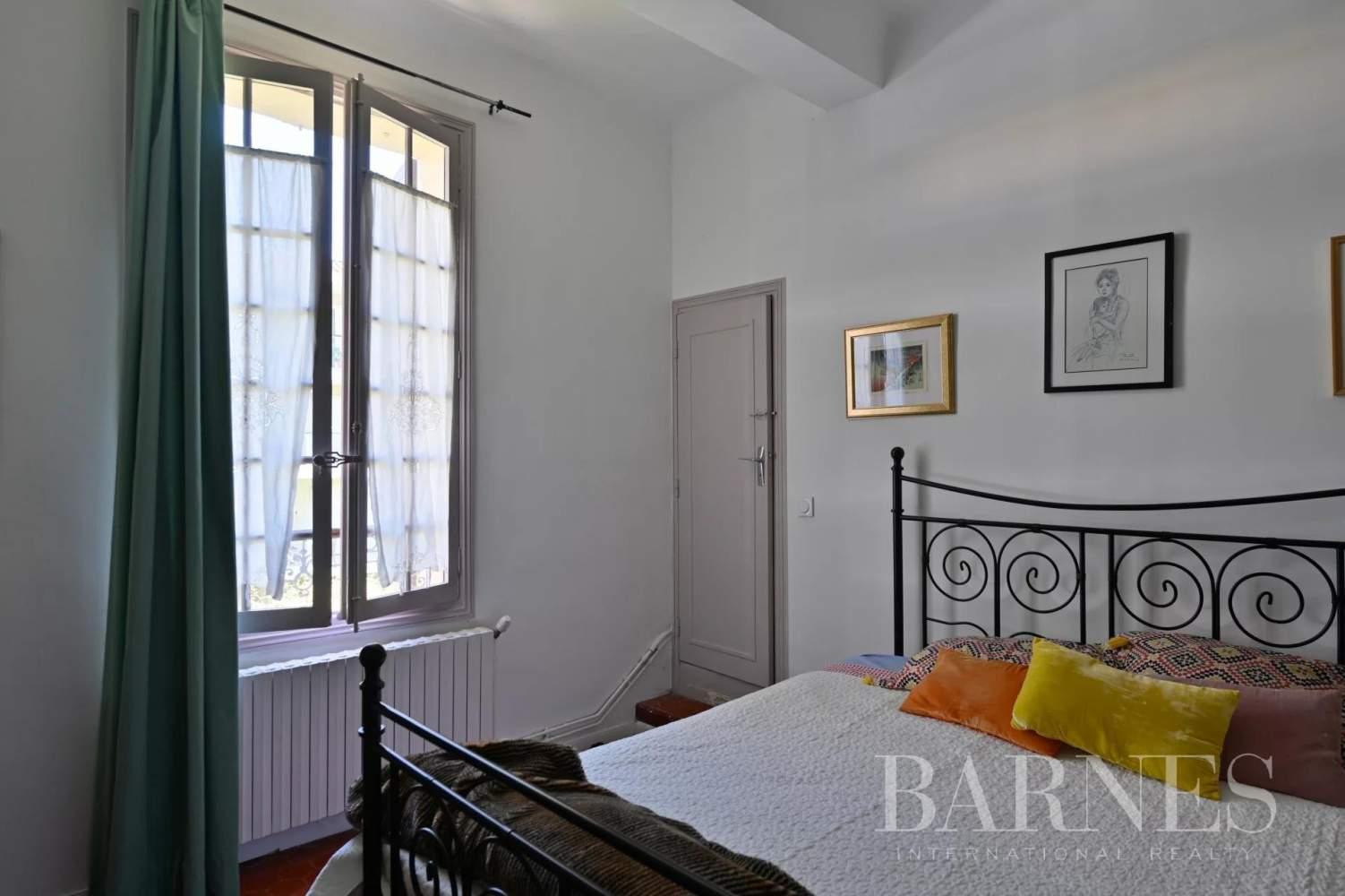 Aix-en-Provence  - Maison de ville 10 Pièces 8 Chambres - picture 16