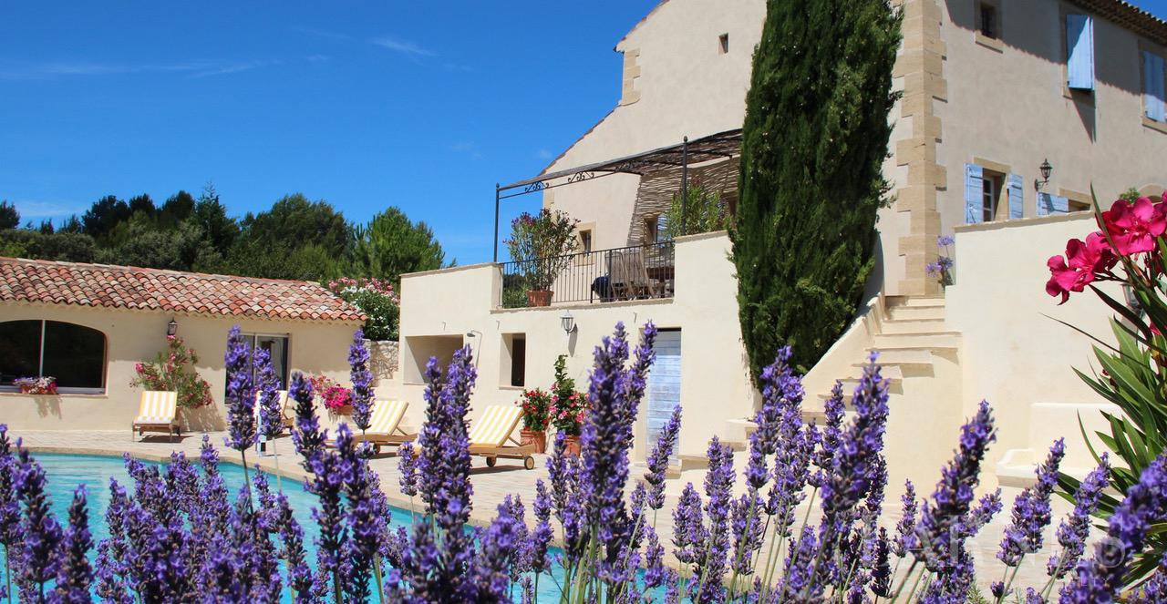 FOR SALE - AIX EN PROVENCE - ROGNES - PROVENCAL FARMHOUSE IN THE HEART OF A WOODED PARK picture 12