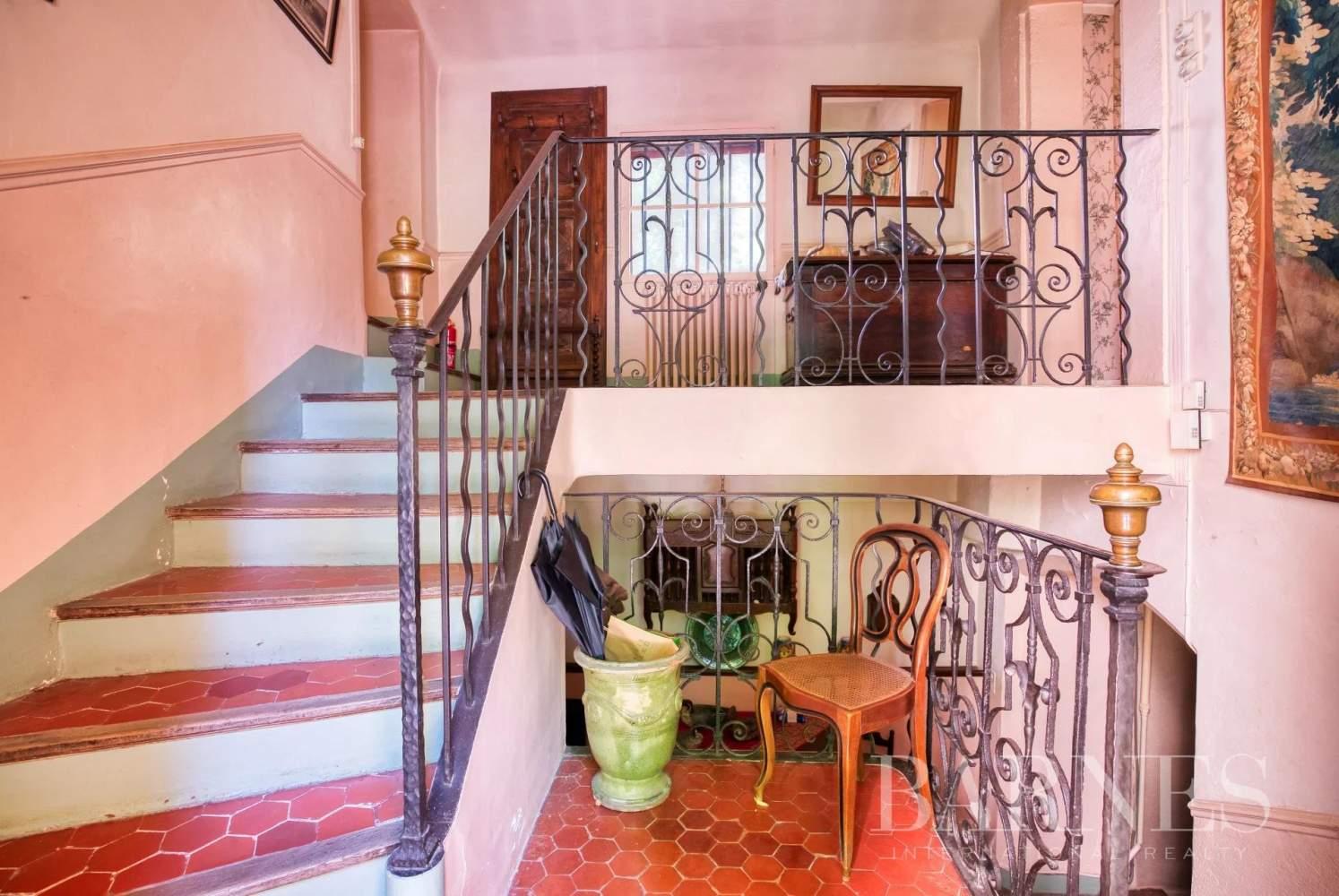 Aix-en-Provence  - Maison de ville 10 Pièces 3 Chambres - picture 12