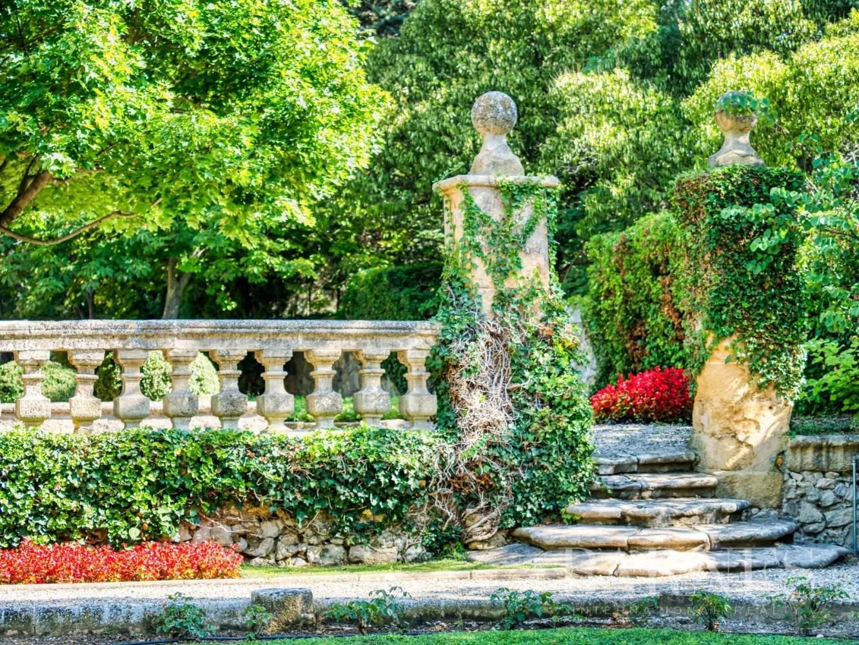 Aix-en-Provence  - Maison de ville 10 Pièces 3 Chambres - picture 4