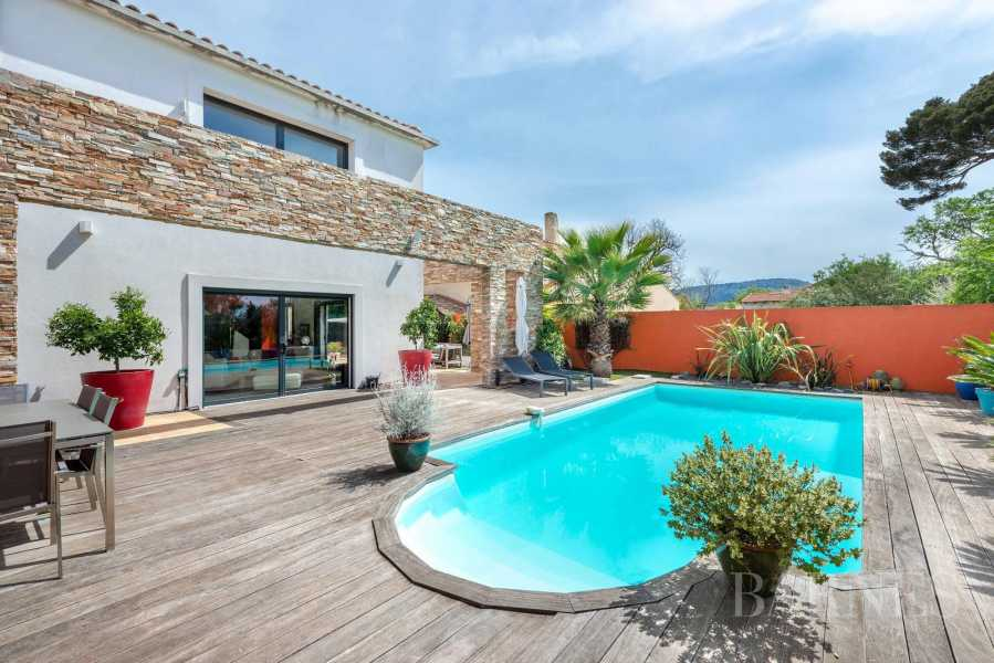 FOR SALE ? BEAUTIFUL CONTEMPORARY VILLA WITH SWIMMING POOL ? CLOSE TO THE GREEN VALLEY - MARSEILLE 13011 picture 7