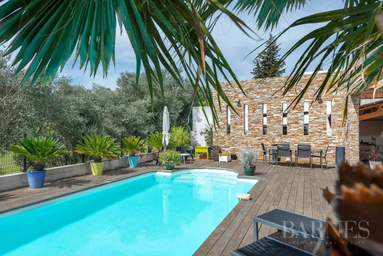 marseille   vendre magnifique villa