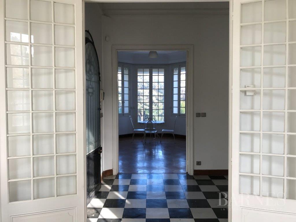 MARSEILLE-8ème- HOTEL PARTICULIER DE CHARME PROCHE ECOLES picture 4