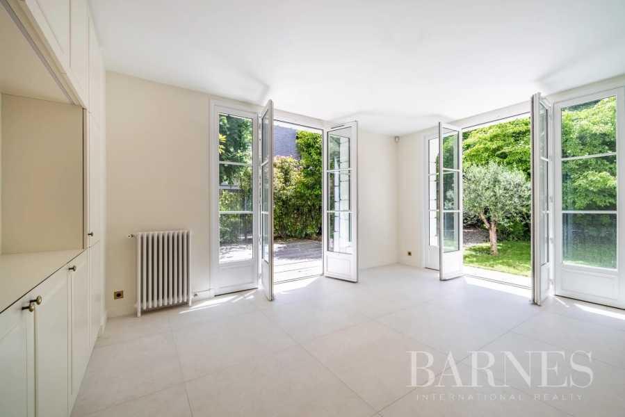 Neuilly-sur-Seine  - Hôtel particulier 9 Pièces 6 Chambres