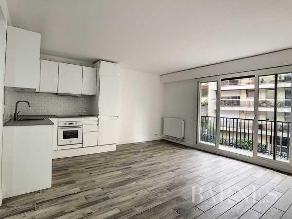 Appartement Neuilly-sur-Seine  -  ref 4423564 (picture 1)