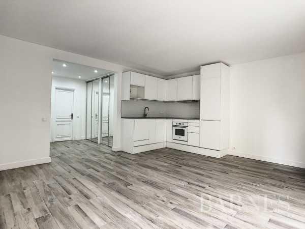 Appartement Neuilly-sur-Seine  -  ref 4423564 (picture 2)