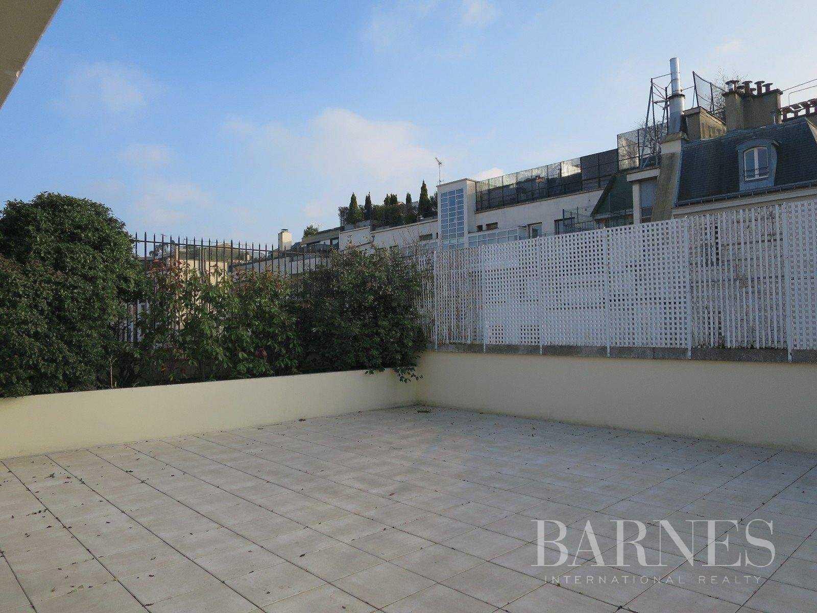 Apartment Neuilly-sur-Seine  -  ref 2766246 (picture 1)