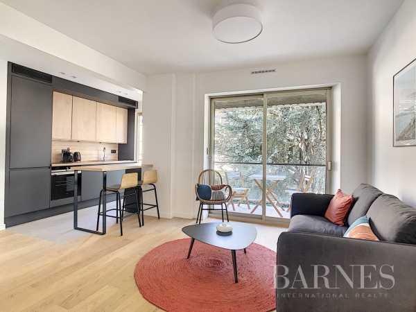 Apartment Neuilly-sur-Seine  -  ref 3894739 (picture 1)