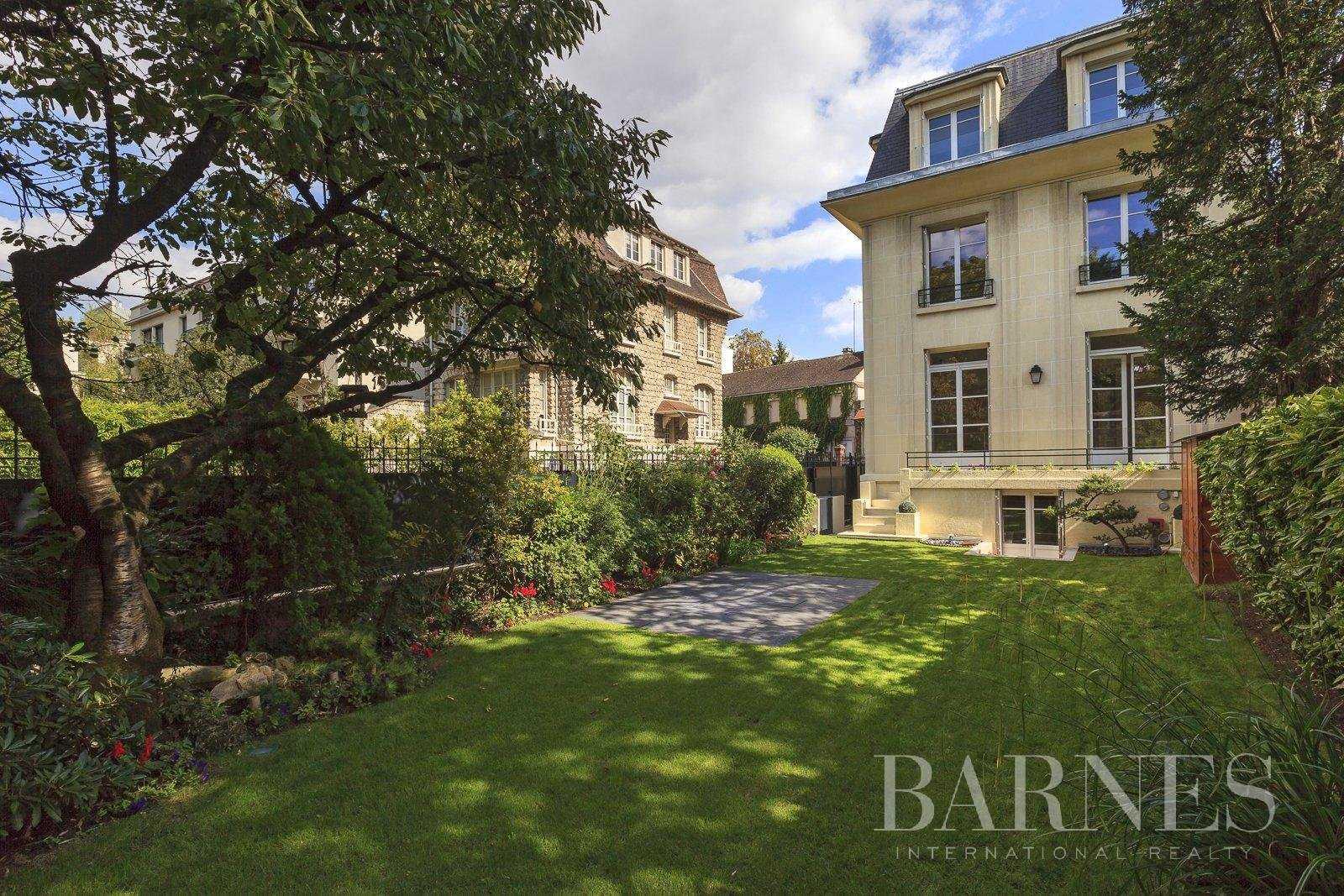 Maison Neuilly-sur-Seine  -  ref 2772991 (picture 1)