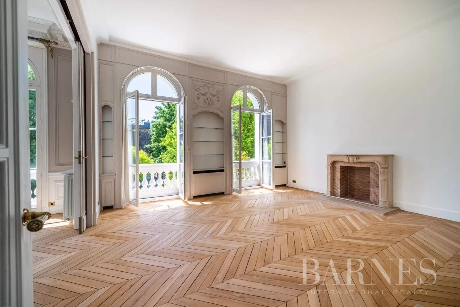 Neuilly-sur-Seine  - Hôtel particulier 9 Pièces 6 Chambres - picture 8