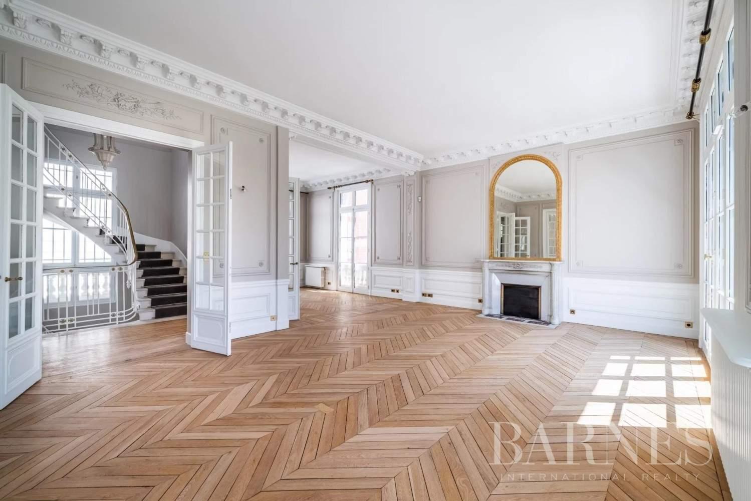 Neuilly-sur-Seine  - Hôtel particulier 9 Pièces 6 Chambres - picture 7