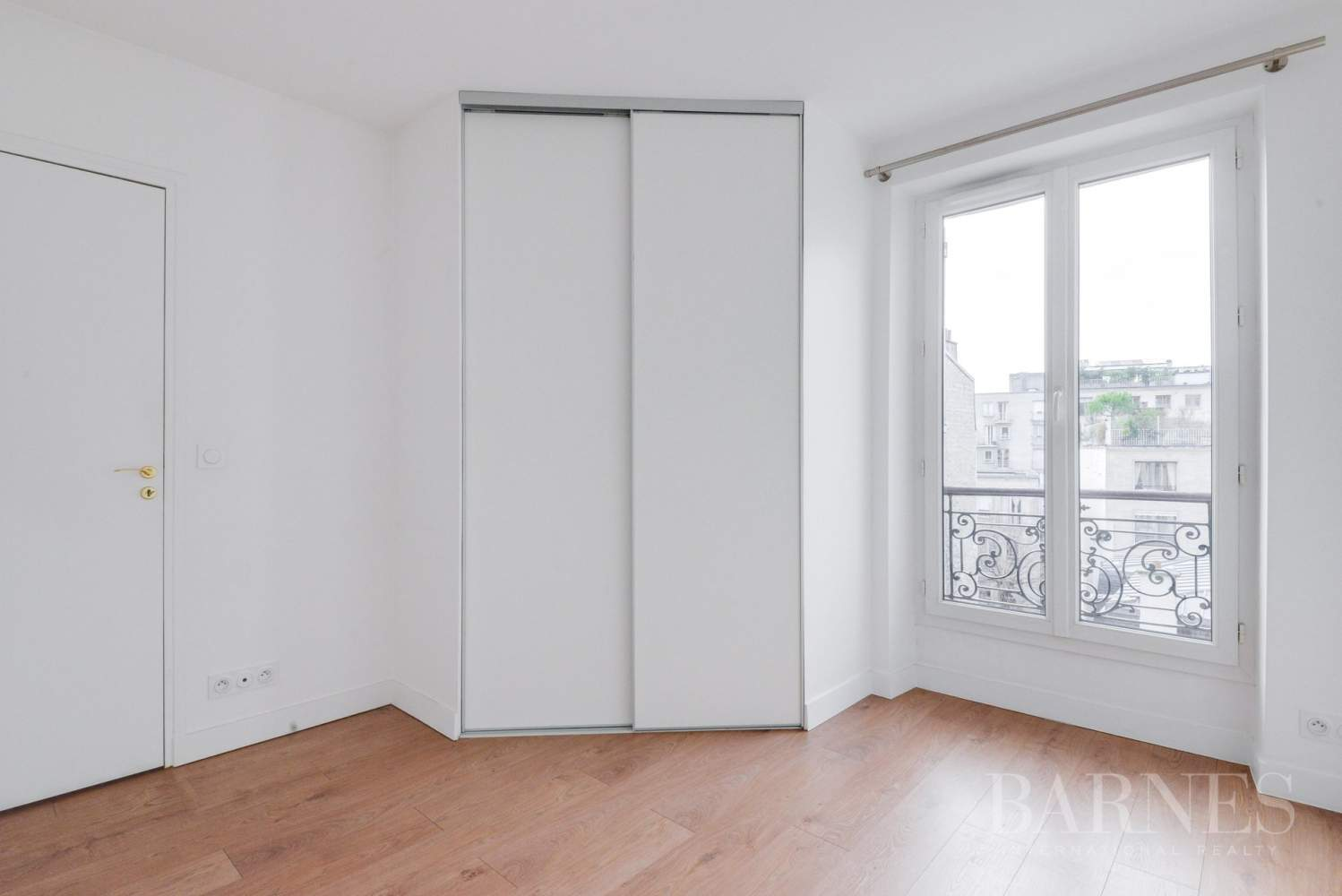 NEUILLY SABLONS 3 CHAMBRES VIDE REFAIT A NEUF picture 9