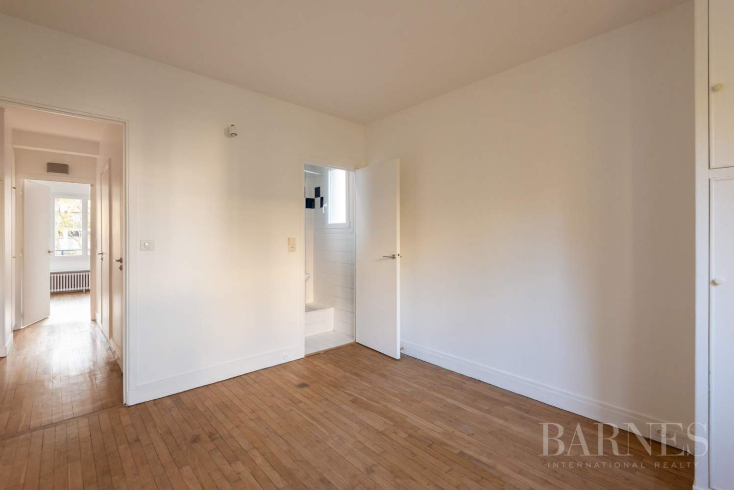 NEUILLY CHEZY APPARTEMENT 3 CHAMBRES VIDE PARKING BALCON picture 9