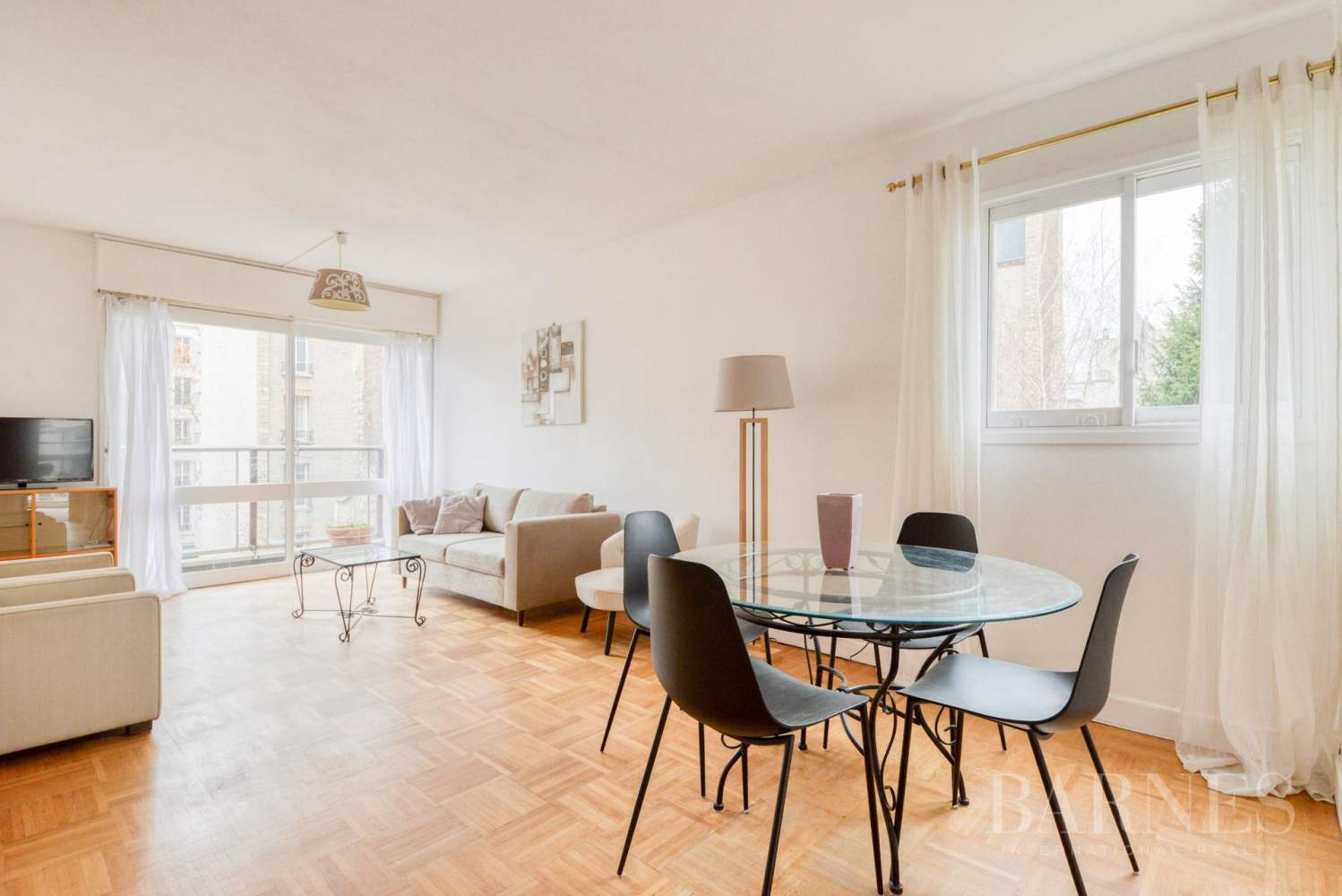 Neuilly-sur-Seine  - Appartement 3 Pièces 2 Chambres - picture 2